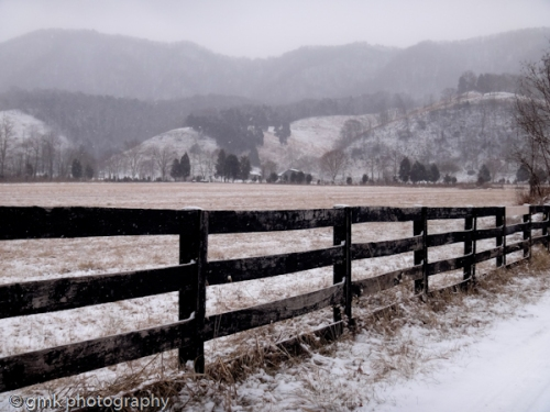A beautiful view of a snowy Clinch Mountain